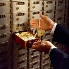Casetele-de-valori-din-banci---cine-le-are--cu-cat-le-inchiriaza-si-ce-poti-pastra-in-ele