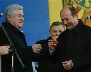Vladimir-Voronin-Traian-Basescu-pahare-vin