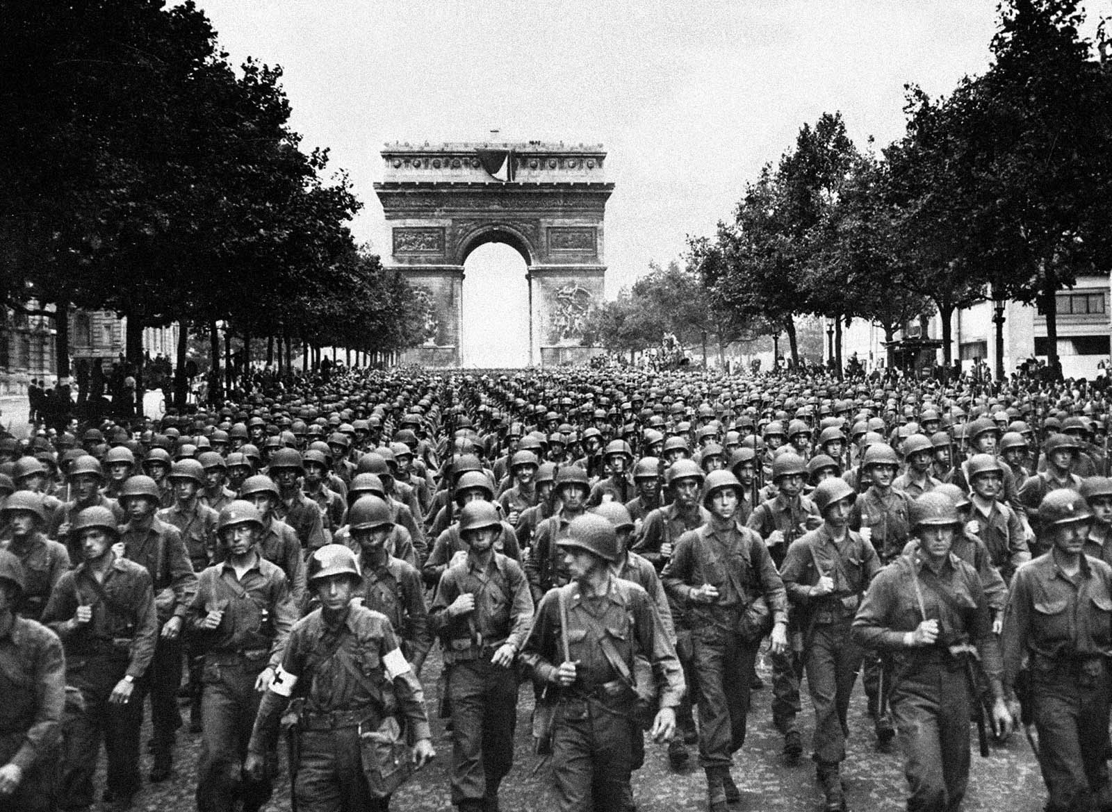 americani in Paris aug 1944